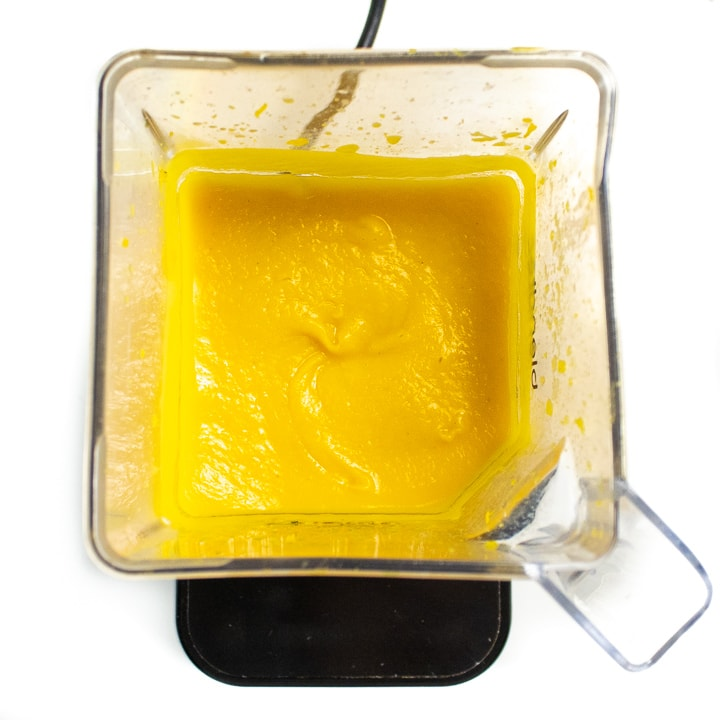 Blender with roasted pumpkin puree for baby - creamy and smooth.