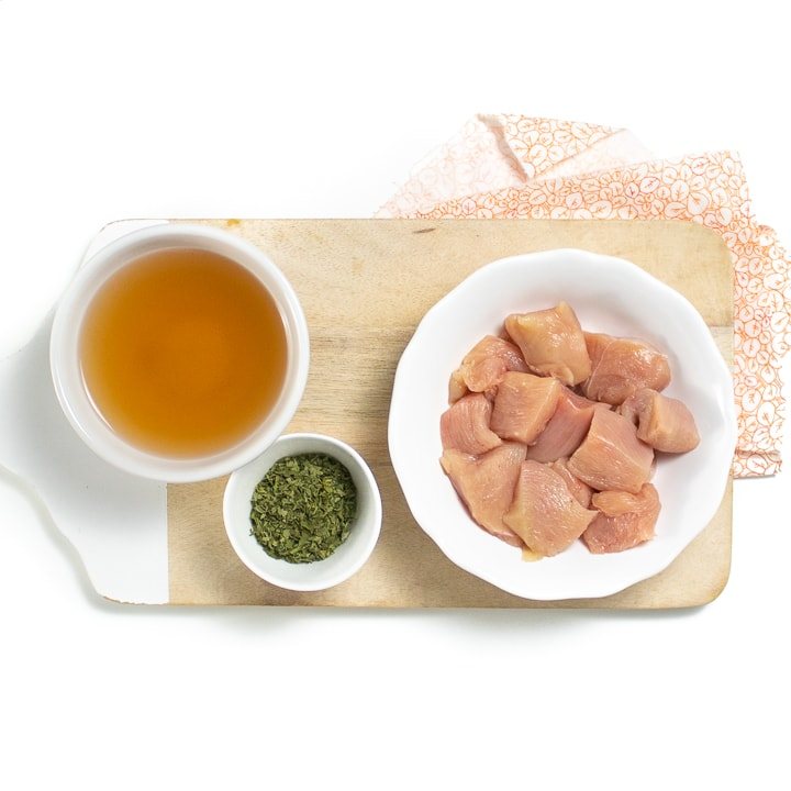 Ingredients to make homemade chicken baby food.