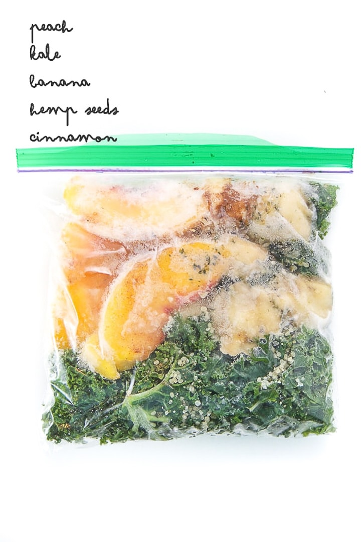 baggie filled with smoothie freezer pack for toddler and kids.