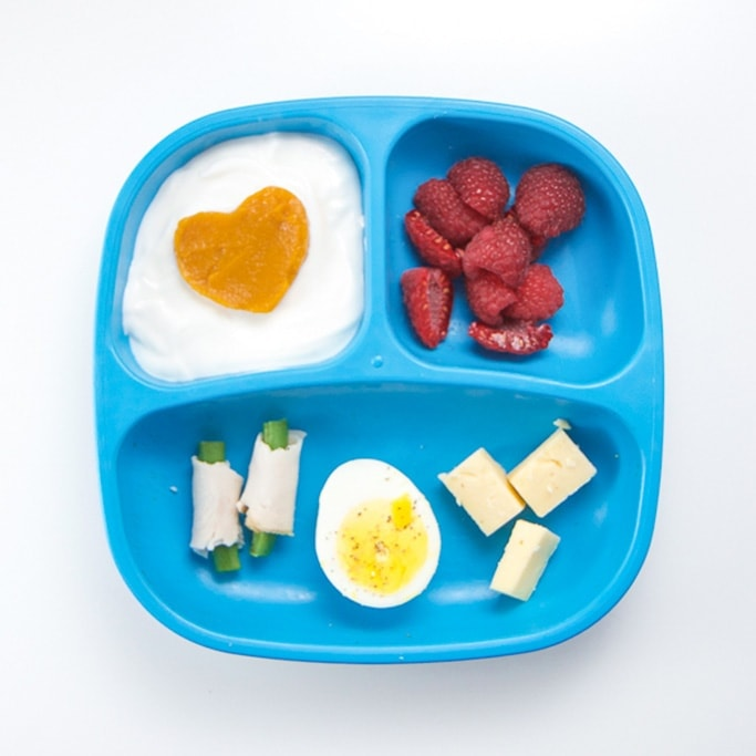 Quick and easy toddler lunch on a blue plate.