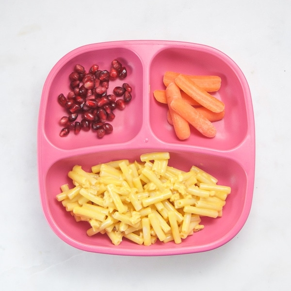 easy toddler dinner with Mac and cheese and veggies