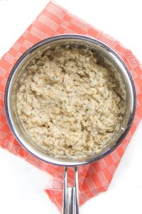 Small saucepan with cooked oats.