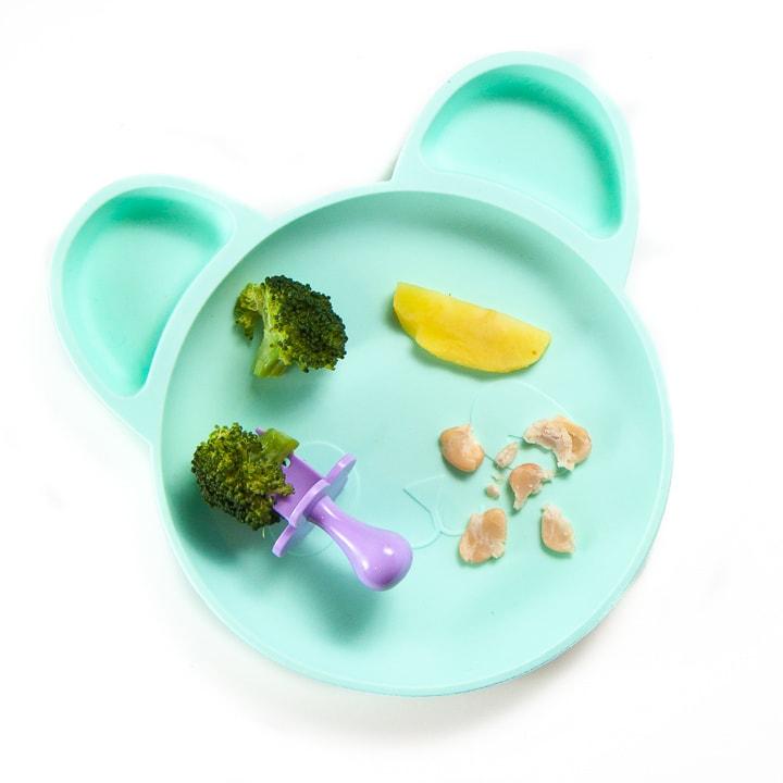 plate full of finger foods for baby-led weaning.