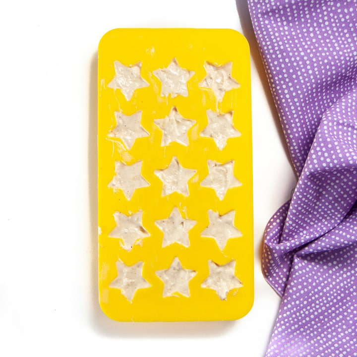 Tray full of star shaped melts for baby.