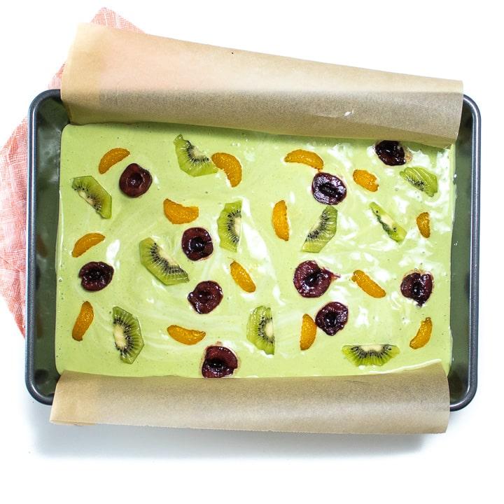 Baking sheet with yogurt bark for halloween.